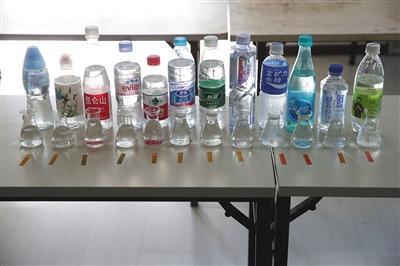媒体揭秘弱碱性水有利健康? 专家:无科学依据